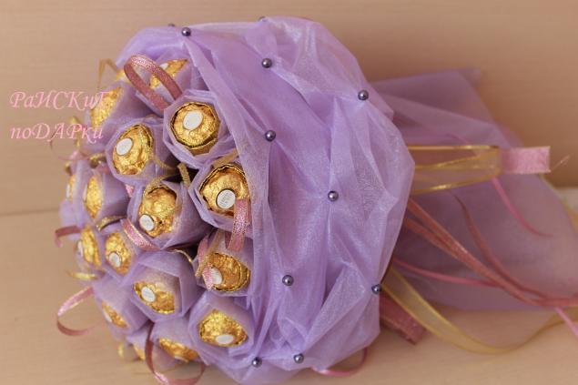 Букет из органзы с конфетами мастер класс