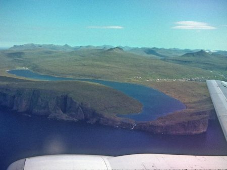 Живописное озеро Сорвагсватн