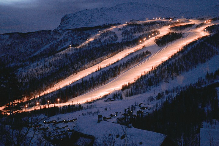 163 Как менялись лыжи: от наскальных рисунков до наших дней