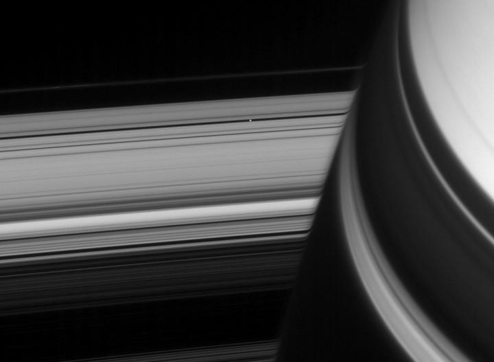 s02 10352 10 Кассини продолжает миссию