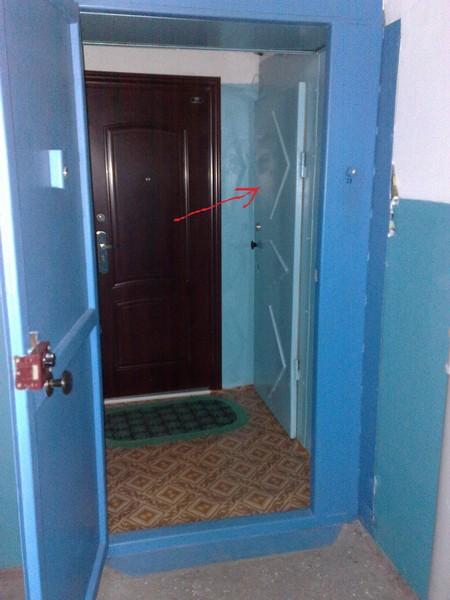 железный тамбур в квартире