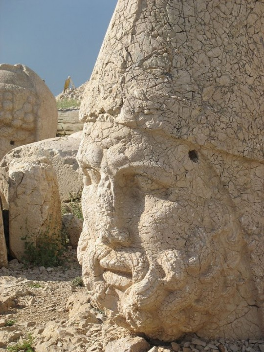 Руины королевства Коммагена на горе Немрут