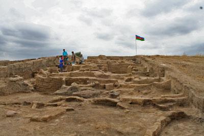 Общий вид поселения Геой-тепе.