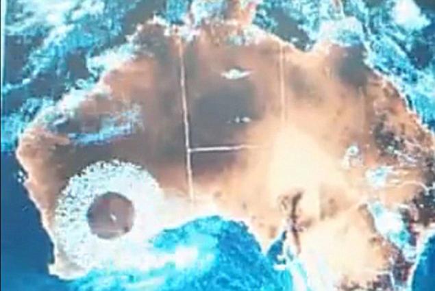 Кольцо тоже появилось у западного побережья Австралии - там, где работает метеорадар
