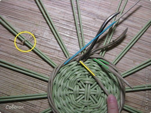 Мастер-класс Плетение МК - Шкатулка из бумаги Бумага газетная Трубочки бумажные фото 16