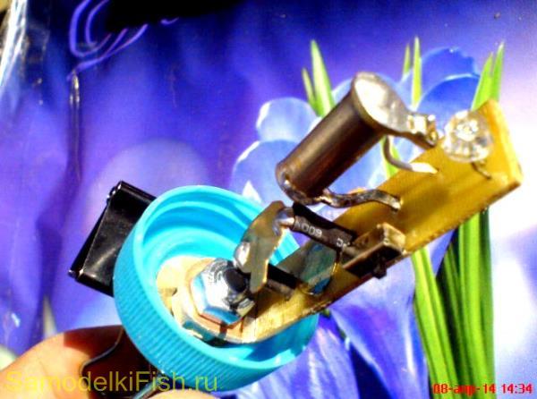 Электронный световой сигнализатор донки