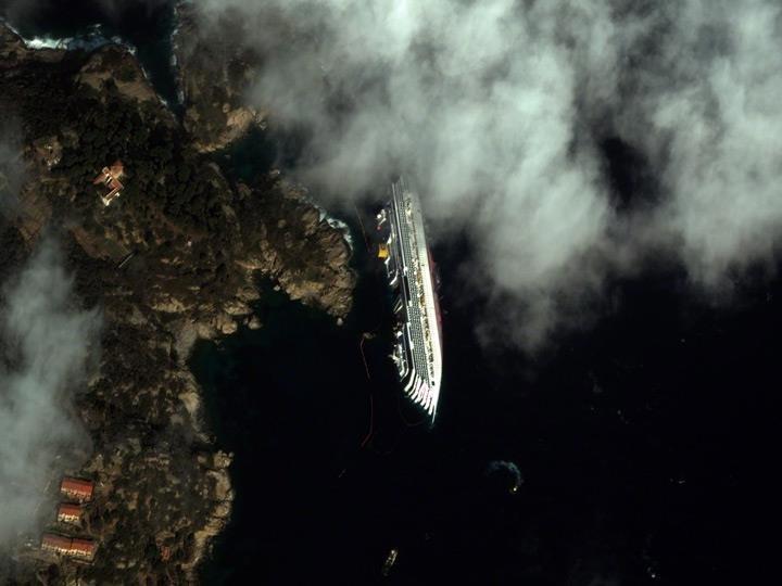10 самых эффектных снимков со спутника в 2012 году