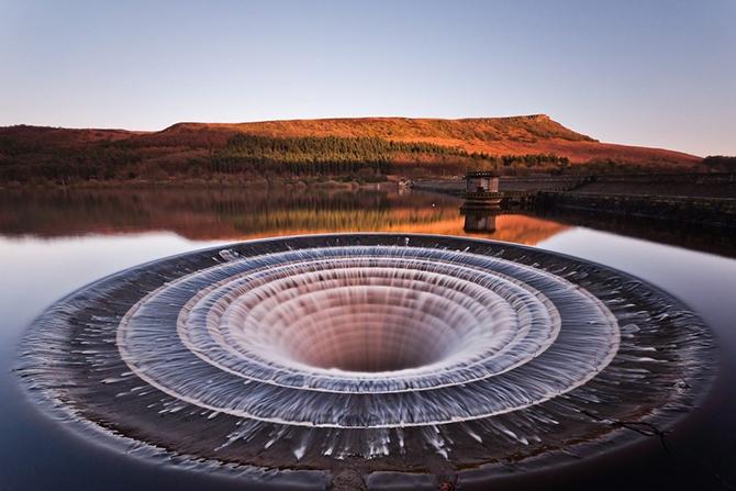 Портал в иные миры – воронка на водохранилище Ледибауэр