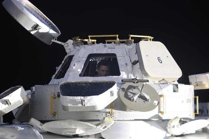 2428 Невероятные фото из космоса астронавта Дугласа Уилока