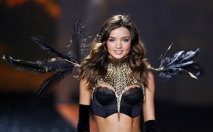 VictoriasSecret06 Топ 10 самых дорогих шоу Victorias Secret