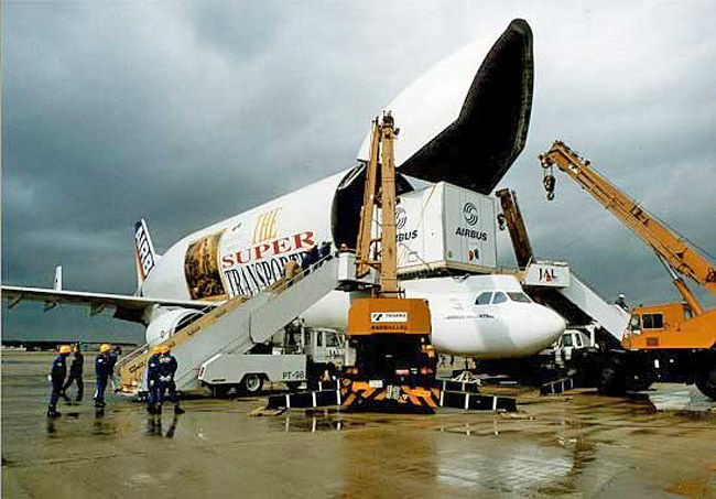 Beluga has regularly transported the fuselage of an A340, the wings of the Airbus A340 or two wingsets of the A320.